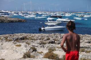 El Consell vol limitar a 791 el nombre de iots que fondegen al litoral de Formentera